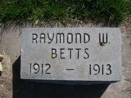 BETTS, RAYMOND W. - Dawes County, Nebraska   RAYMOND W. BETTS - Nebraska Gravestone Photos