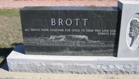 BROTT, FRED R. & AGNES L. - Dawes County, Nebraska   FRED R. & AGNES L. BROTT - Nebraska Gravestone Photos
