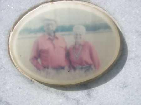 HAAS, VIC & LORAINE - Dawes County, Nebraska   VIC & LORAINE HAAS - Nebraska Gravestone Photos