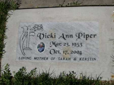 PIPER, VICKI ANN - Dawes County, Nebraska | VICKI ANN PIPER - Nebraska Gravestone Photos