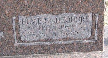 LUEBBERT, ELMER THEODORE (CLOSE UP) - Dodge County, Nebraska   ELMER THEODORE (CLOSE UP) LUEBBERT - Nebraska Gravestone Photos