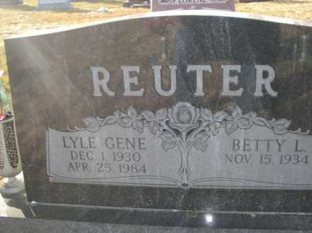 REUTER, BETTY L. - Douglas County, Nebraska | BETTY L. REUTER - Nebraska Gravestone Photos