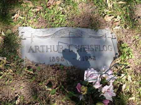 WEISFLOG, ARTHUR T. - Douglas County, Nebraska | ARTHUR T. WEISFLOG - Nebraska Gravestone Photos