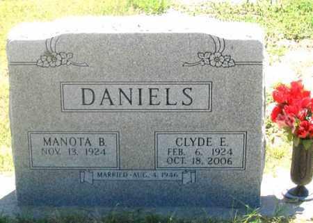 BARNHART DANIELS, MANOTA B. - Dundy County, Nebraska   MANOTA B. BARNHART DANIELS - Nebraska Gravestone Photos