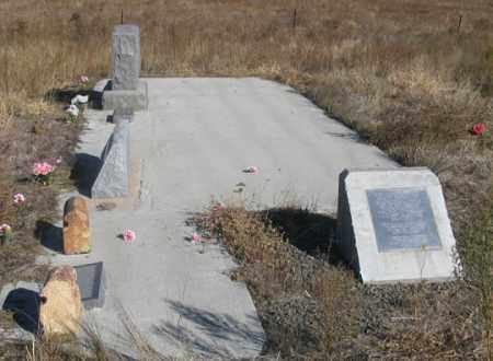 MCALLISTER FAMILY, GRAVE SITE - Dundy County, Nebraska   GRAVE SITE MCALLISTER FAMILY - Nebraska Gravestone Photos
