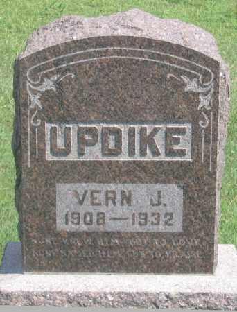 UPDIKE, VERN JOHN - Dundy County, Nebraska | VERN JOHN UPDIKE - Nebraska Gravestone Photos