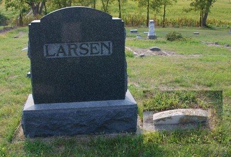 LARSEN, BABY - Howard County, Nebraska   BABY LARSEN - Nebraska Gravestone Photos