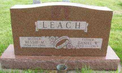 KNSOP LEACH, BESSIE MAE - Saline County, Nebraska   BESSIE MAE KNSOP LEACH - Nebraska Gravestone Photos