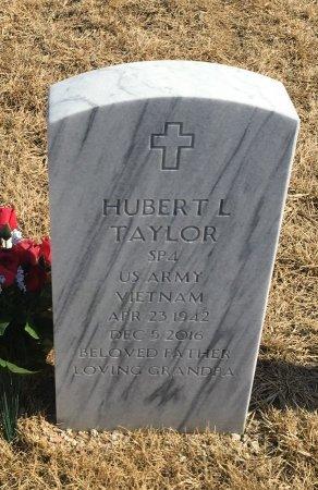 TAYLOR, HUBERT - Sarpy County, Nebraska | HUBERT TAYLOR - Nebraska Gravestone Photos