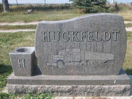 HUCKFELDT, DARRELL - Sheridan County, Nebraska | DARRELL HUCKFELDT - Nebraska Gravestone Photos
