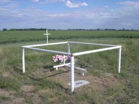 *SHEEP CREEK CEMETERY, GRAVES OF LEOTA TAYLOR & MRS. BARNY HOLCOME - Sioux County, Nebraska | GRAVES OF LEOTA TAYLOR & MRS. BARNY HOLCOME *SHEEP CREEK CEMETERY - Nebraska Gravestone Photos