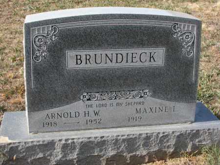 BRUNDIECK, MAXINE L. - Stanton County, Nebraska   MAXINE L. BRUNDIECK - Nebraska Gravestone Photos