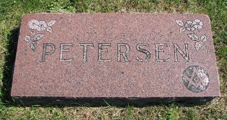 PETERSEN, *FAMILY MONUMENT - Washington County, Nebraska | *FAMILY MONUMENT PETERSEN - Nebraska Gravestone Photos
