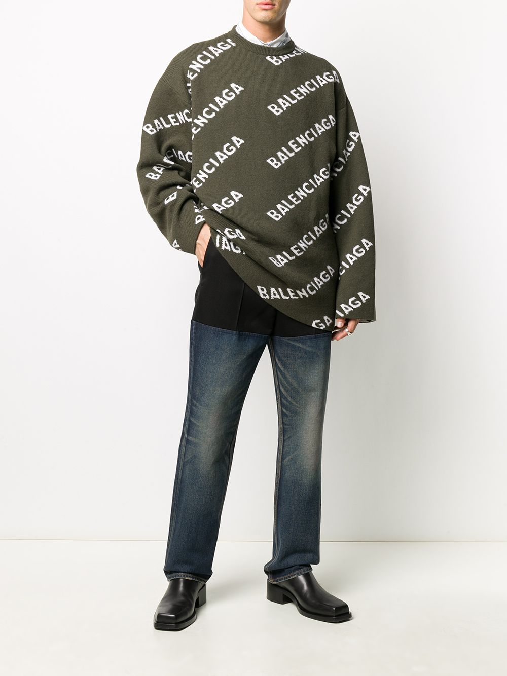 Maglione in maglia di lana con intarsio verde kaki con lettering logo obliquo bianco Balenciaga BALENCIAGA | Maglieria | 623283-T15673567