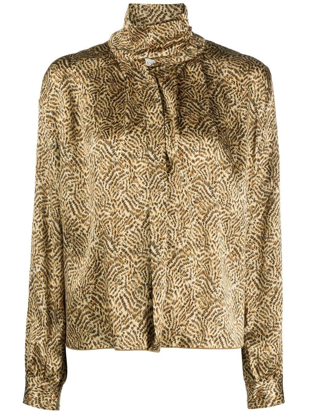 blusa svasata con scollo a imbuto in seta marrone FORTE_FORTE | Camicie | 7596ORO