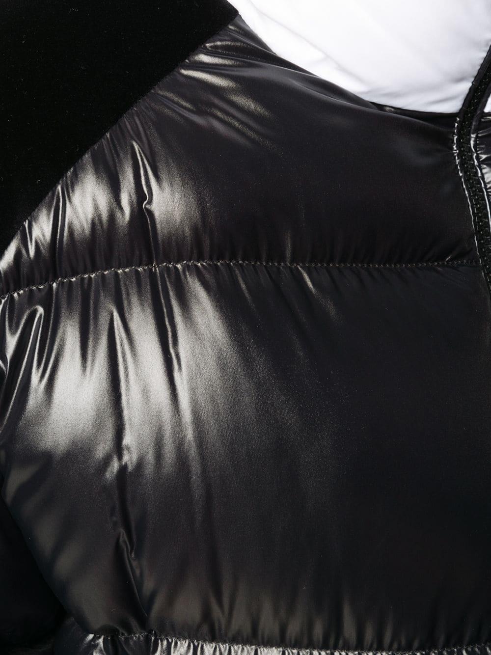 Piumino Chouelle imbottito in piuma d'oca nero con collo bianco a imbuto MONCLER | Piumini | CHOUELLE 1A52B-00-C0232999