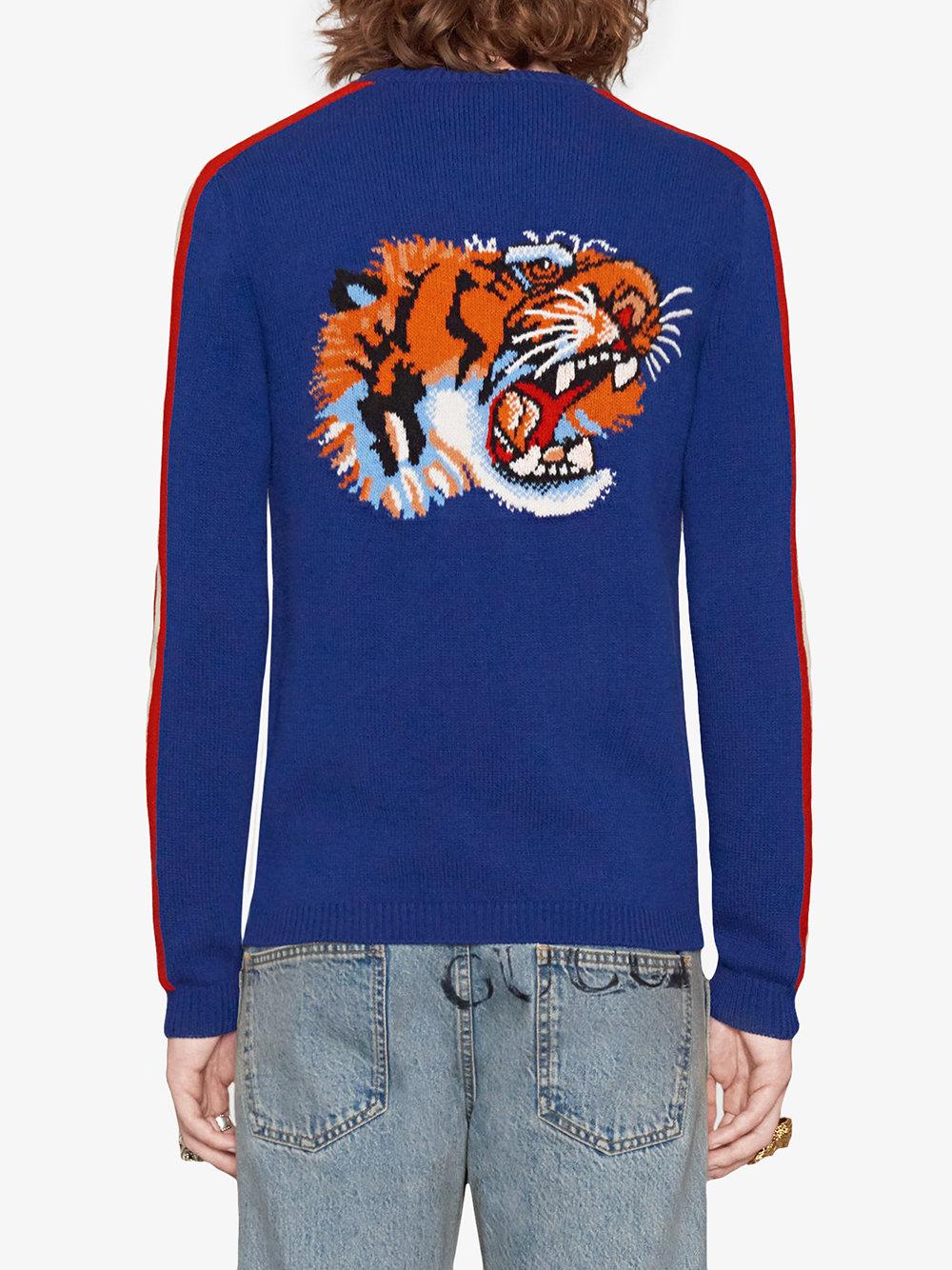 maglione in lana pesante blu con ricambo Blind for Love e tigre sulle spalle GUCCI   Maglieria Moda   496686-X9I824166