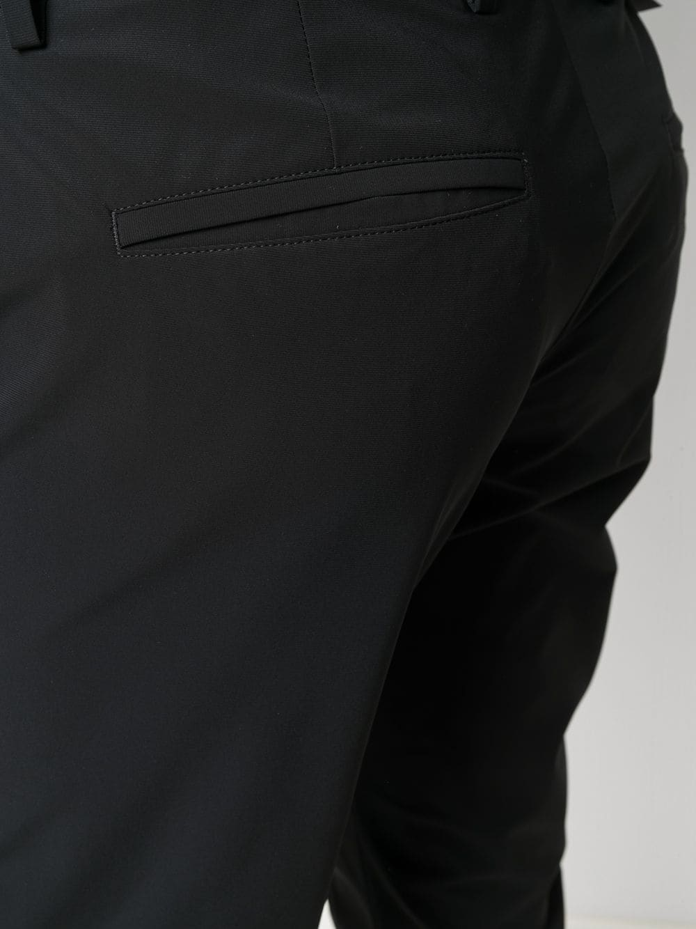 Pantaloni cropped neri slim fit con chiusura frontale nascosta PT01 | Pantaloni | COASEPZ10KLT-CV070990