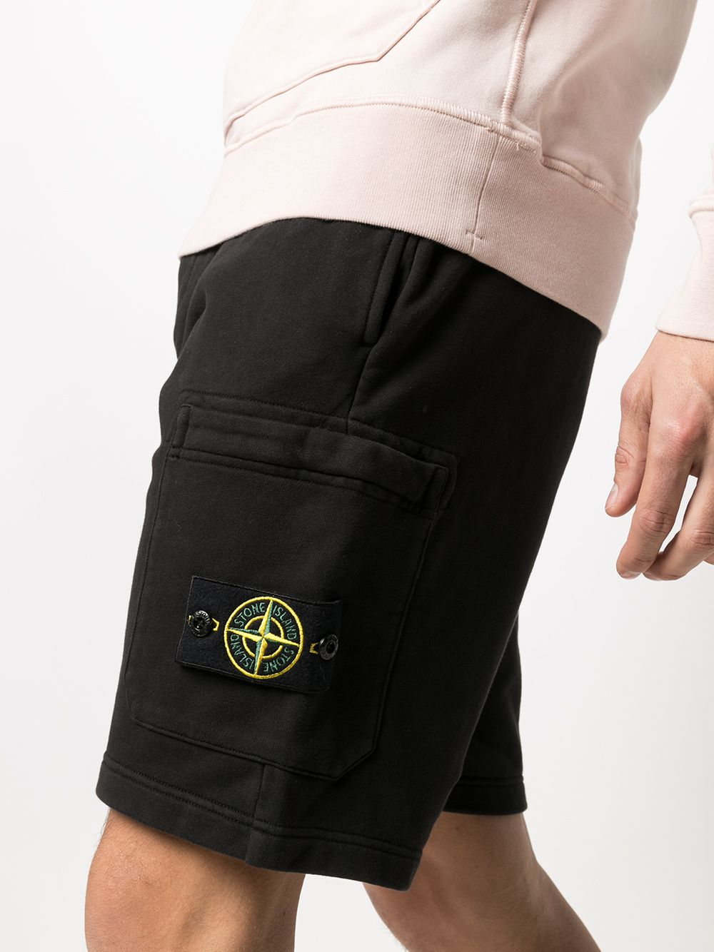 Shorts neri in cotone con logo Stone Island sulla gamba STONE ISLAND |  | 741564651V0029