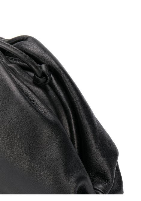 The Pouch Bag piccola in pelle di vitello e nappa ultra morbida BOTTEGA VENETA | Clutch | 585852-VCP401229