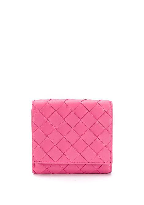 portafoglio in pelle di vitello rosa con motivo intrecciato BOTTEGA VENETA | Portafogli | 608074-VCPP35632