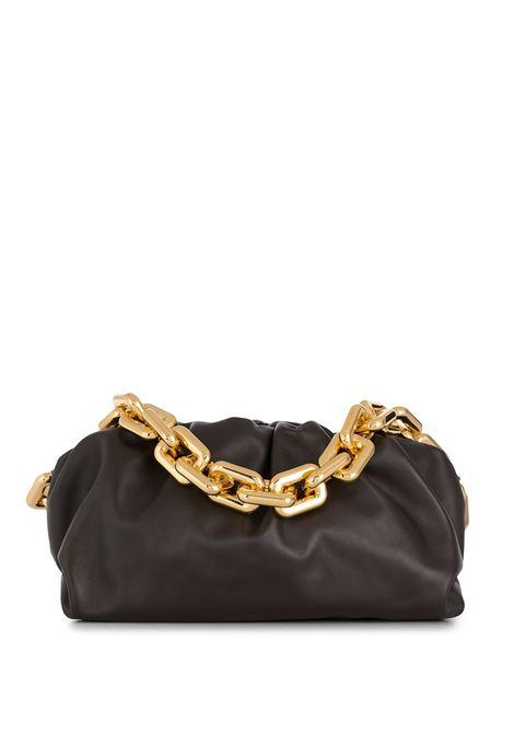The Chain Pouch in pelle di vitello nera con traccolla con catena con anelli squadrati BOTTEGA VENETA | Borse a tracolla | 620230-VCP402132