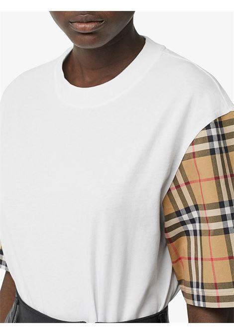 T-shirt oversize in cotone bianco con stampa Burberry Check sulle maniche BURBERRY | T-shirt | 8014896-SERRAA1464