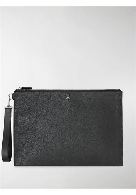 Pochette grande in pelle di vitello nera con motivo monogramma a grana grossa BURBERRY | Clutch | 8030725-MS LG EDINA1189