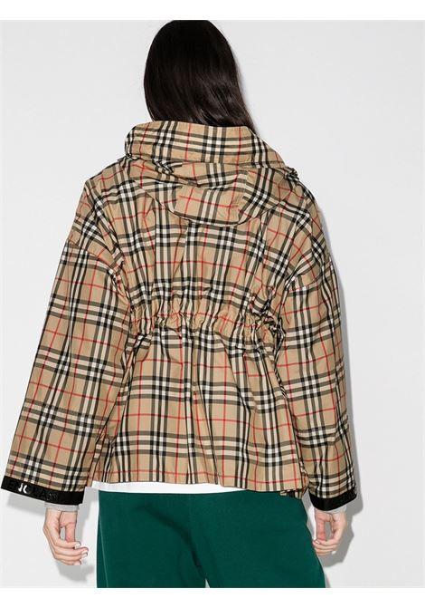 Giacca con cappuccio con stampa Burberry Vintage Check all over BURBERRY | Giubbini | 8032210-BACTONA7028