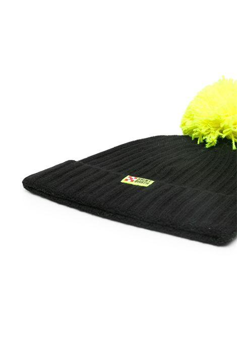 Black cashmere pompom beanie featuring Sun Mortitz fluo yellow appliqué detail MC2      WENGEN P-EMB MORI0094