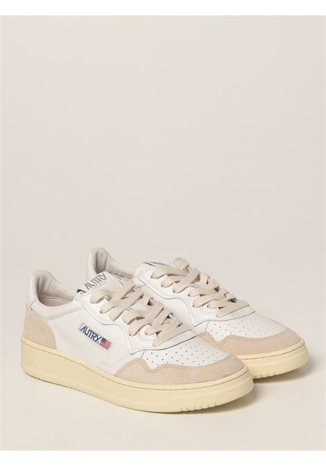Sneaker basse Action in pelle bianca con patch logo Autry AUTRY   Sneakers   AULM-LS33BIANCO