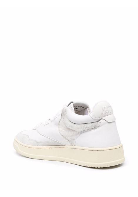 Sneaker basse Medalist in pelle bianca brillante con dettagli traforat AUTRY   Sneakers   AOMM-CE01BIANCO
