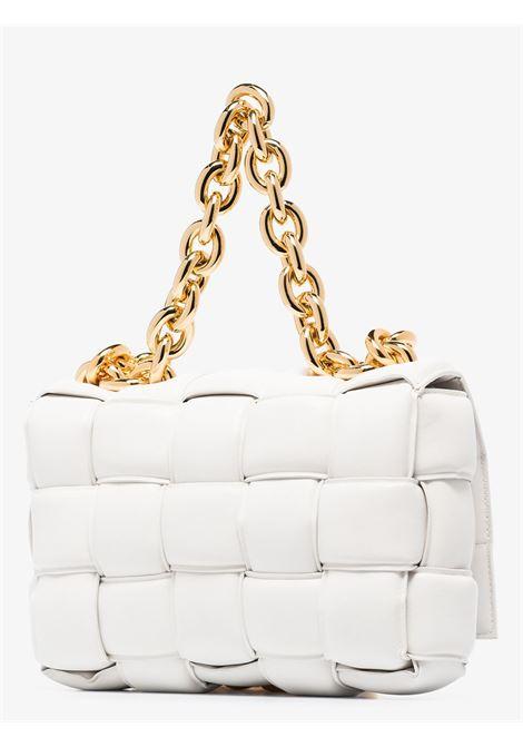 Borsa a tracolla The Chain Cassette  bianca con catena color argento BOTTEGA VENETA   Borse a tracolla   631421-VBWZ09143