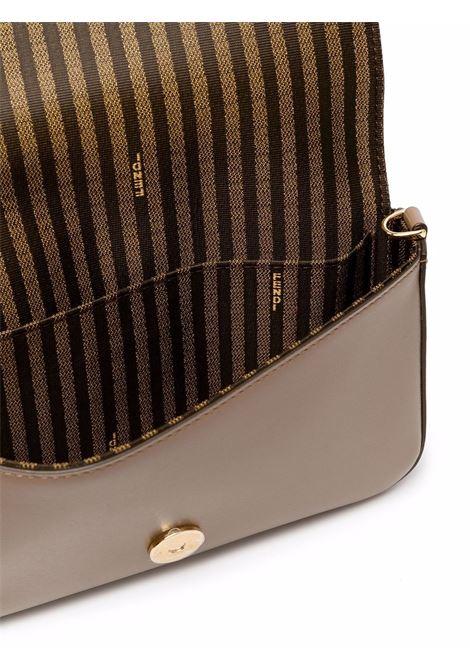 Borsa a tracolla Fendi Way in pelle tortora con catena dorata FENDI | Borse a tracolla | 8BS032-AHM0F1F1M