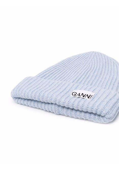 Berretto a coste in misto lana riciclata blu melange con logo Ganni GANNI | Cappelli | A3533694