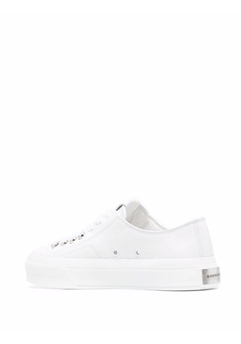 Sneaker basse City in pelle bianca GIVENCHY | Sneakers | BE001NE145100