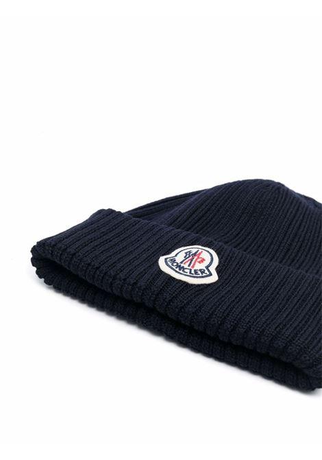 Berretto in maglia a coste di lana vergine blu navy MONCLER | Cappelli | 3B000-29-A9576752