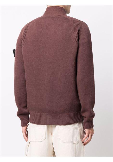 cardigan marrone in lana con bottoni e logo Stone Island sulla manica STONE ISLAND | Cardigan | 7515547A3V0076