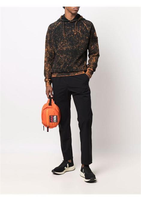 Felpa in cotone con stampa tie-dye nera e marrone STONE ISLAND | Felpe | 751561338V0032