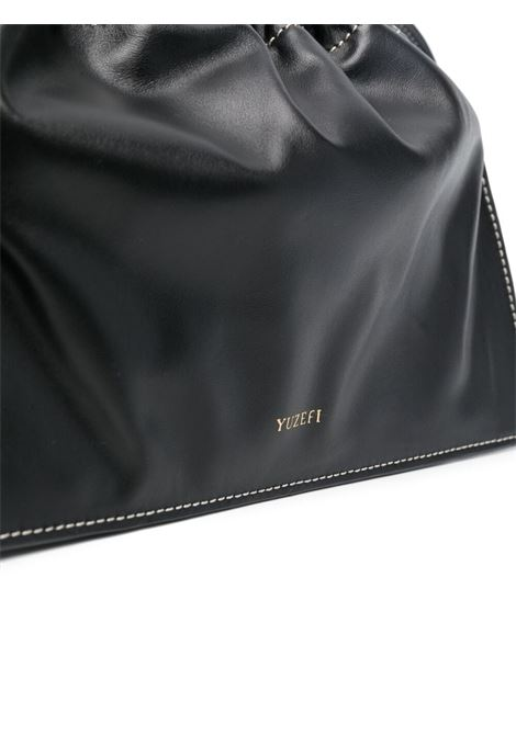 Black calf leather tote featuring gold chain-link shoulder strap YUZEFI |  | BOM-YUZICO-HB-BO00