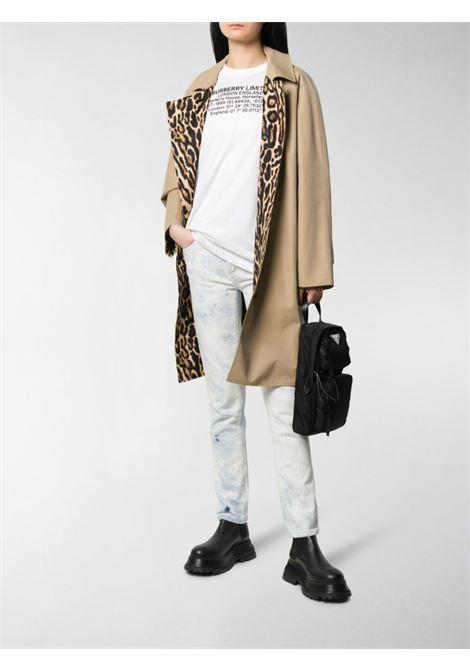 t.shirt bianca in cotone a mezze maniche con coordinate Burberry BURBERRY | Maglieria Moda | 8024629-CARRICKA1464