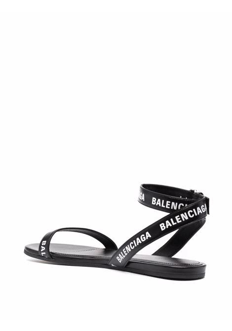 Sandalo basso piatto nero in pelle di vitello BALENCIAGA | Sandali | 630038-WBAE11090