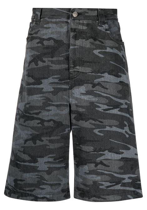 Shorts in denim grigio scuro con stampa mimetica BALENCIAGA | Bermuda | 641464-TJW551055