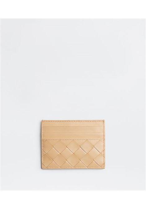 Beige lamb leather cardholder featuring signature Intrecciato design BOTTEGA VENETA      635042-VCPP32700
