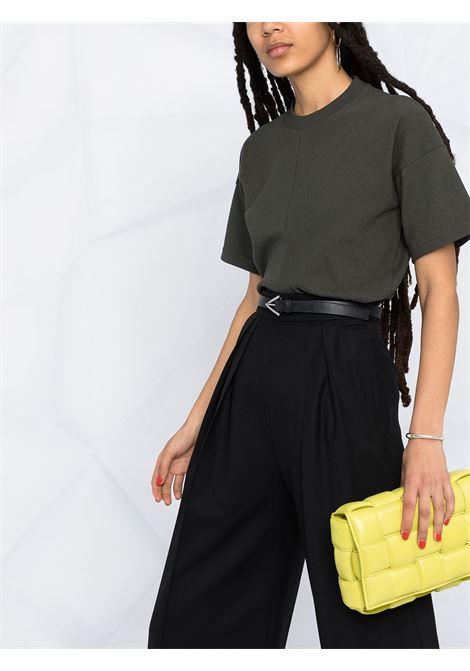 T-shirt in cotone verde scuro con design a pannelli BOTTEGA VENETA | T-shirt | 642833-V0I502275