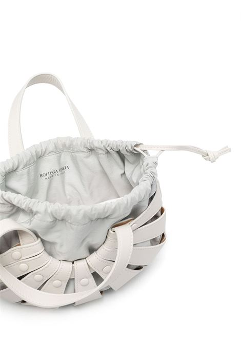 white leather The Shell shoulder bag from featuring cut-out detailing BOTTEGA VENETA |  | 651819-VMAUH9018