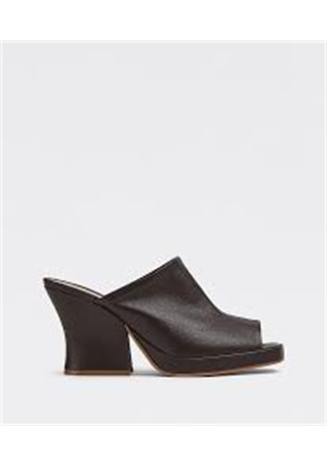 Sandali in pelle nera con punta aperta e tacco largo 90. BOTTEGA VENETA | Scarpe con tacco | 660799-VBP402113