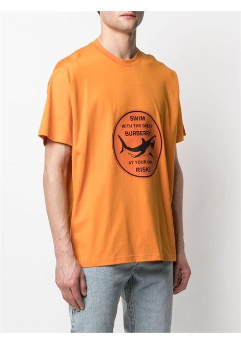 T-shirt a maniche corte in cotone arancione con stampa grafica BURBERRY | T-shirt | 8040676-LARKINA9134