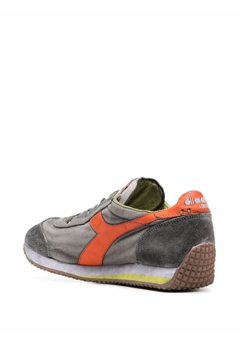 Sneakers Equipe H Dirty Evo in camoscio con effetto stonewashed DIADORA | Sneakers | 174736-EQUIPE H DIRTY SW EVO75045