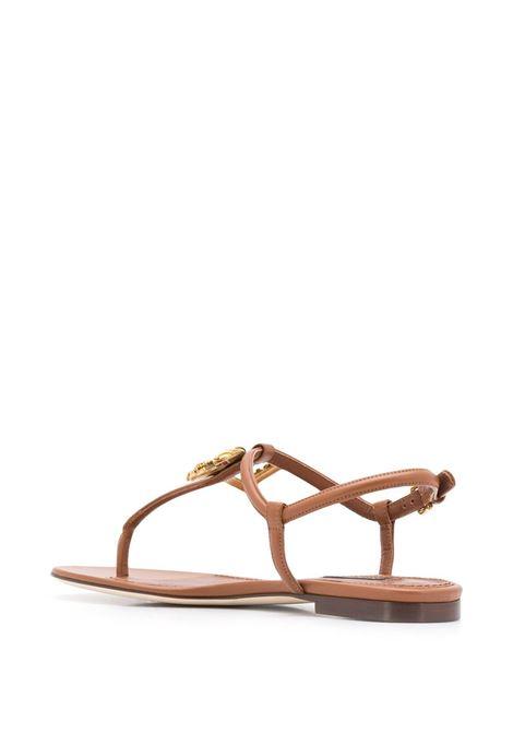 sandali D&G Baroque in pelle di cammello con cinturino a T DOLCE & GABBANA | Sandali | CQ0250-AK2958M308